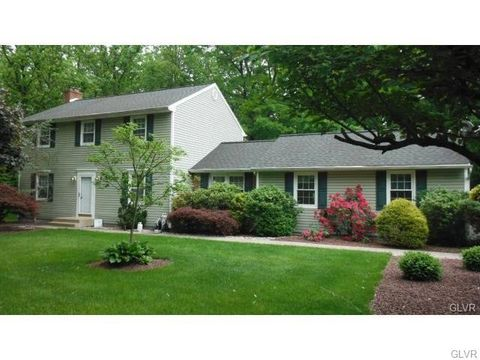 1719 W Bangor Rd, Washington, PA 18013
