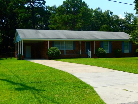 310 Early Dr, Wilmington, NC 28412