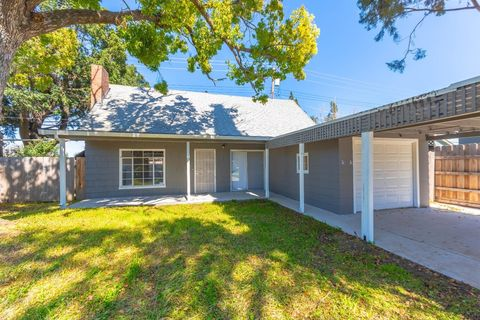 Photo of 1701 Holly Dr, Lodi, CA 95242