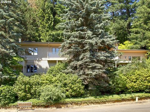 Photo of 3320 Sw 44th Ave, Portland, OR 97221