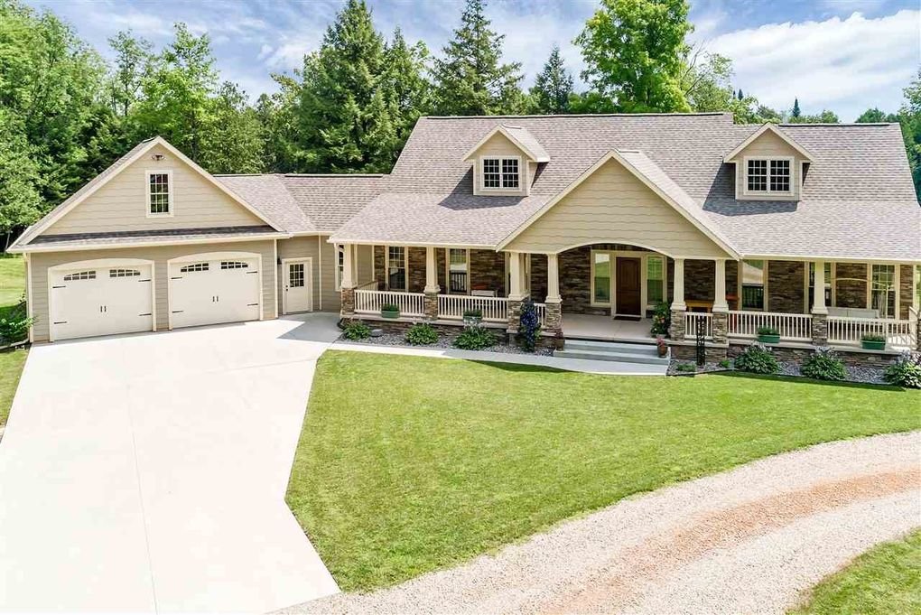 13567 Willow Rd, Suring, WI 54174