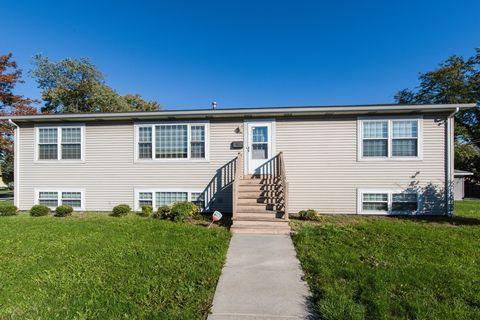 17431 Community St, Lansing, IL 60438
