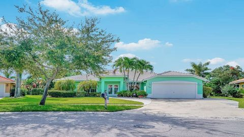 164 Fernwood Cres, Royal Palm Beach, FL 33411