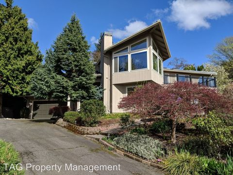 Photo of 906 1st St S, Kirkland, WA 98033