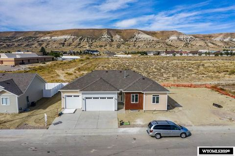 Photo of 3812 Harrier Dr, Rock Springs, WY 82901