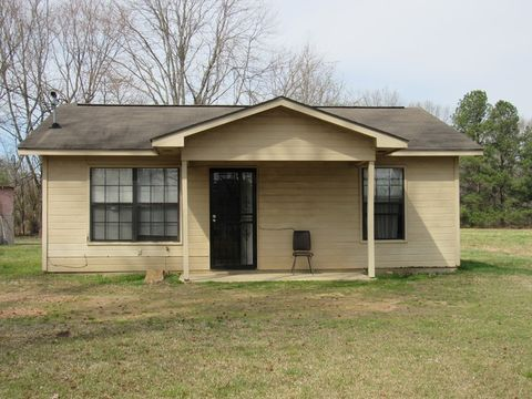 33 Powell Rd, Holcomb, MS 38940