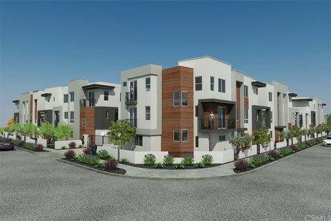 8407 Tweedy Ln, Downey, CA 90240