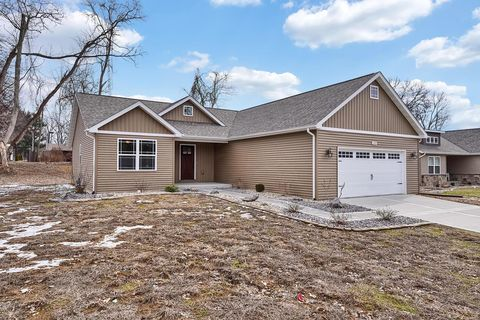 Photo of 109 Red Pine Ct, Collinsville, IL 62234