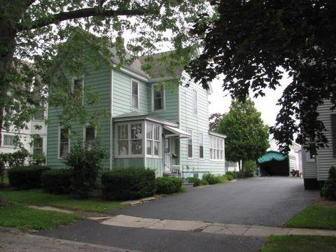 8 Parkwood Ave, Johnstown, NY 12095