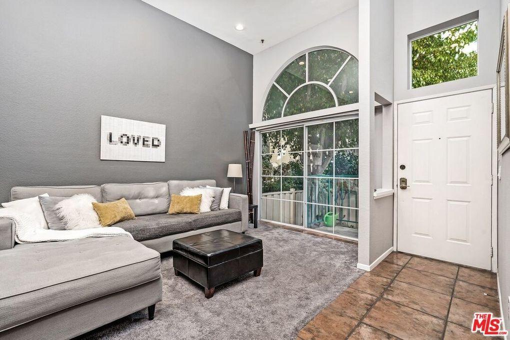 5455 Sylmar Ave Apt 1802 Sherman Oaks, CA 91401