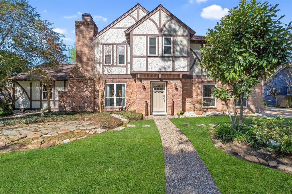 12711 Rolling Valley Dr Cypress, TX 77429