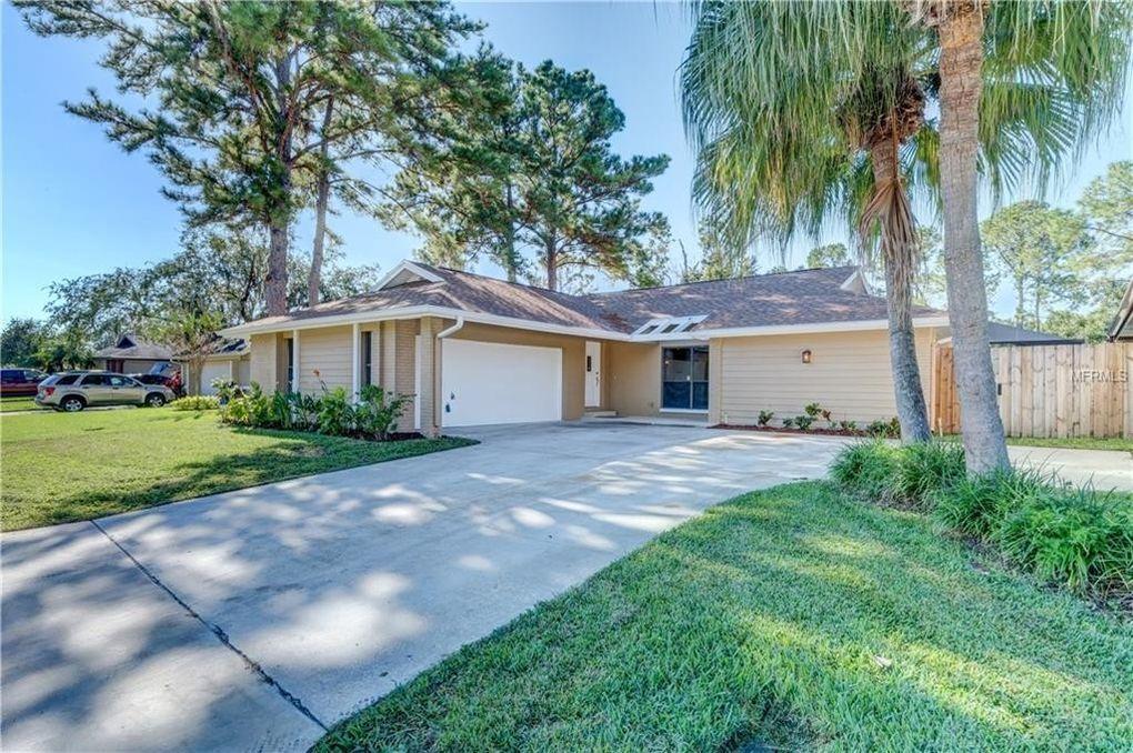 13514 Clubside Dr Tampa, FL 33624