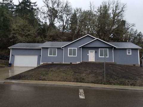 Photo of 720 S Side Rd, Sutherlin, OR 97479