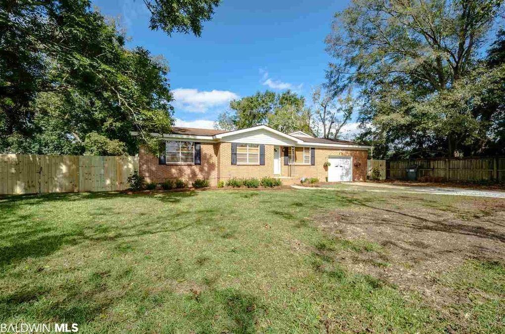 7937 Twin Beech Rd, Fairhope, AL 36532