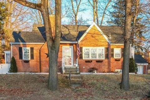 Photo of 295 Harkness Ave, Springfield, MA 01118
