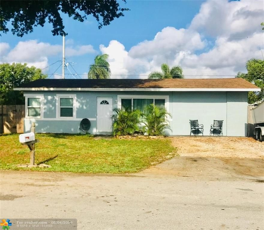2751 NE 11th Ter Pompano Beach, FL 33064