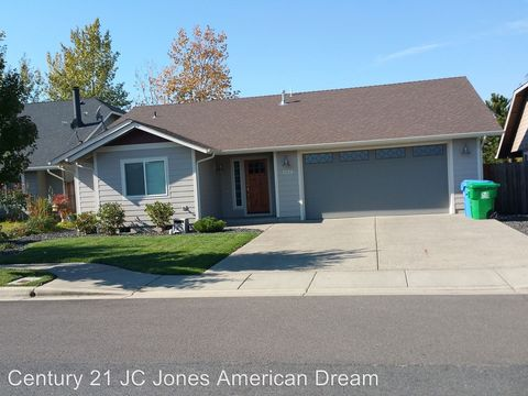 Photo of 1578 Sw Yucca St, Grants Pass, OR 97527