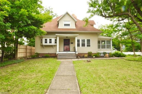 Photo of 14279 Superior Rd, Cleveland Heights, OH 44118