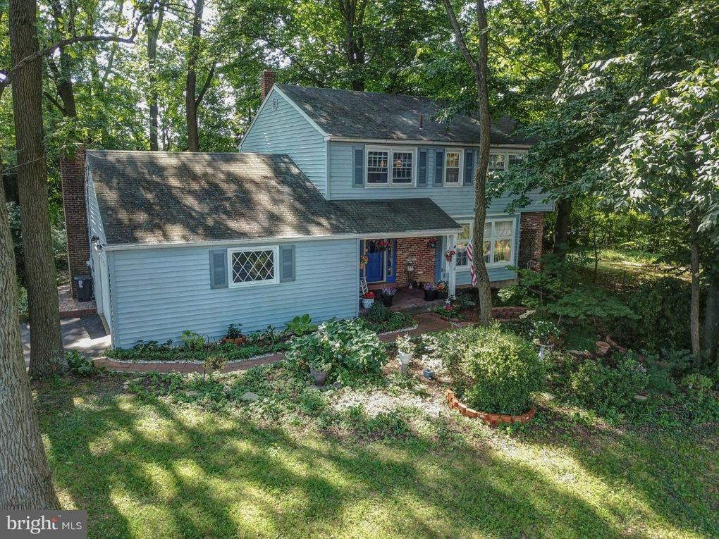 1334 Faucett Dr West Chester, PA 19382