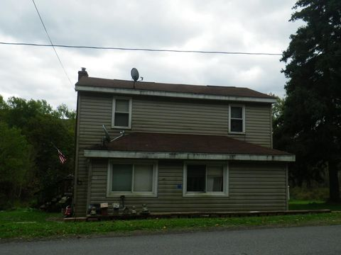 1093 N Mosscreek Rd, Northern Cambria, PA 15714