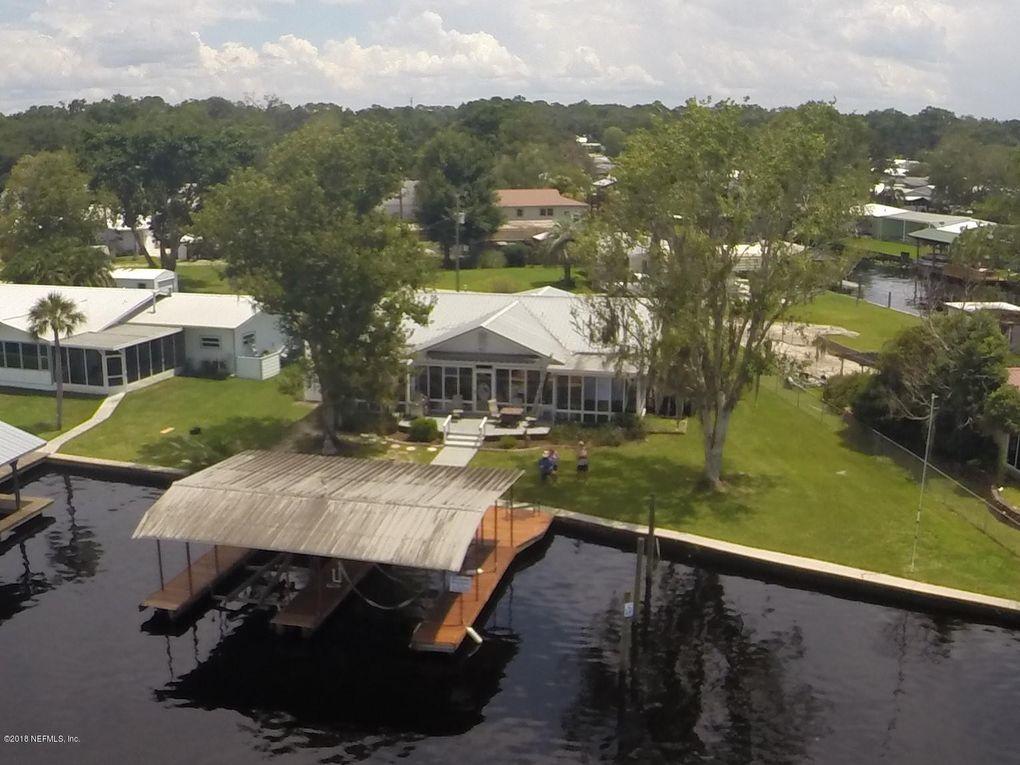 148 Floridian Club Rd, Welaka, FL 32193