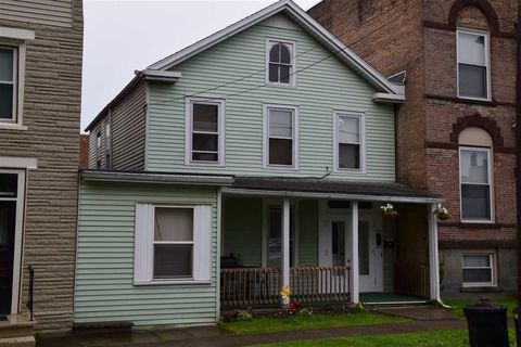 Photo of 224 23rd St, Watervliet, NY 12189