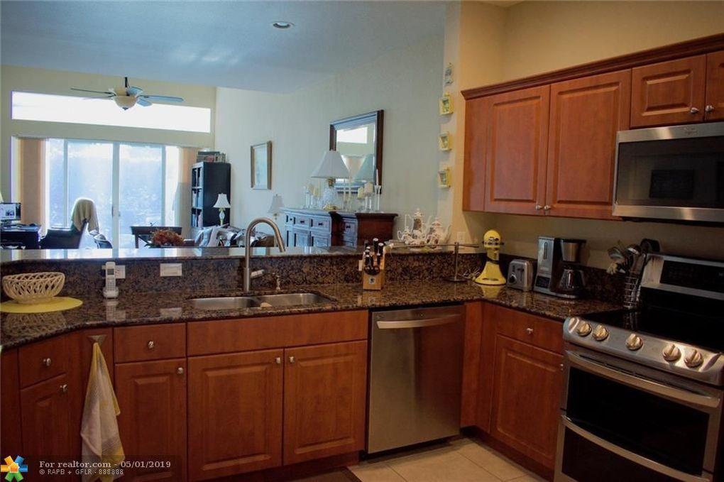 5071 W Madison Lakes Cir, Davie, FL 33328