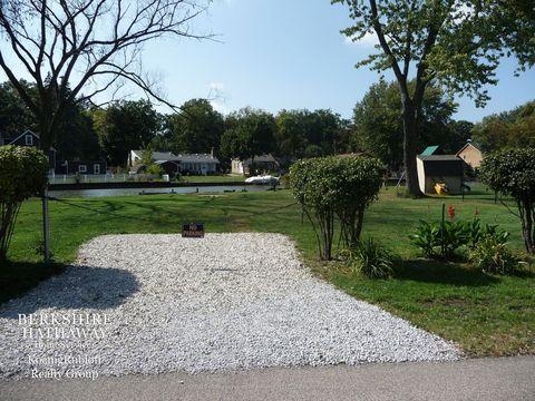 Oak Terrace, Mundelein, IL Real Estate & Homes for Sale - realtor.com®