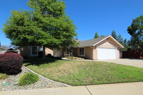 Photo of 3522 Sunglow Dr, Redding, CA 96001