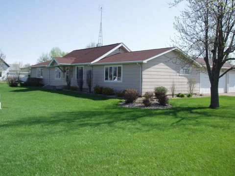 304 N Bissett St, Yale, SD 57386