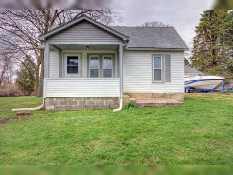 110 E Fifth St De Land Il 61839 House For