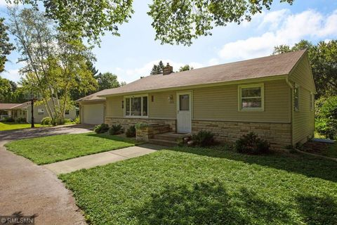 Sensational 17625 11Th Ave N Plymouth Mn 55447 Home Interior And Landscaping Mentranervesignezvosmurscom