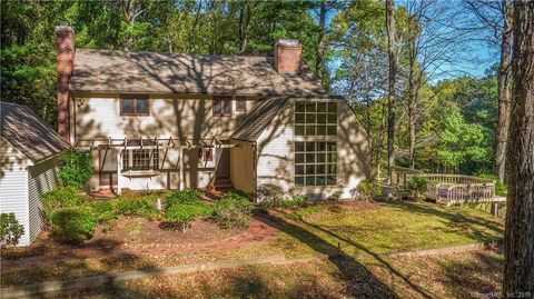 Photo of 12 Up The Rd, Simsbury, CT 06092