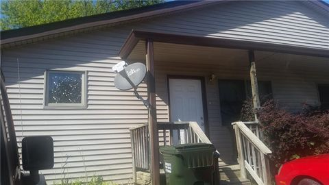 Photo of 236 W Gould St, Nashville, IN 47448