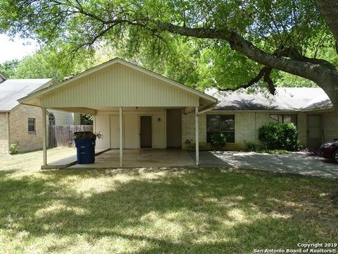 Photo of 605 Frostwood Dr, New Braunfels, TX 78130