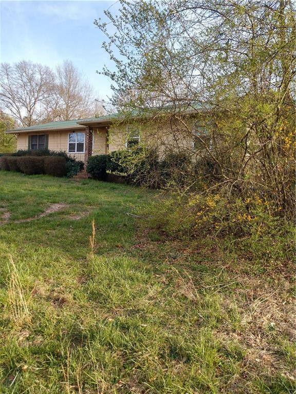 6498 Centerville Rosebud Rd, Loganville, GA 30052