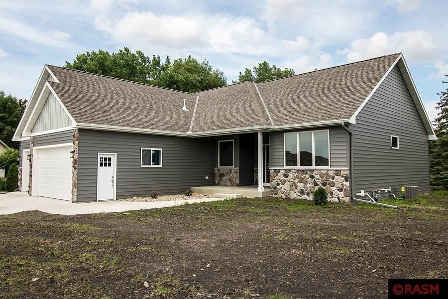 105 Sunburst Cir, Mankato, MN 56001