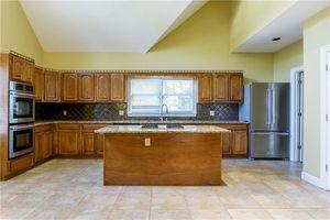 426 Sw Peyton Rd, Atlanta, GA 30311   Kitchen