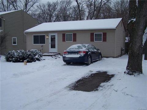 4335 N Crestdale Ave, West Bloomfield Township, MI 48323