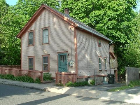 129 Walnut St, Windham, CT 06226