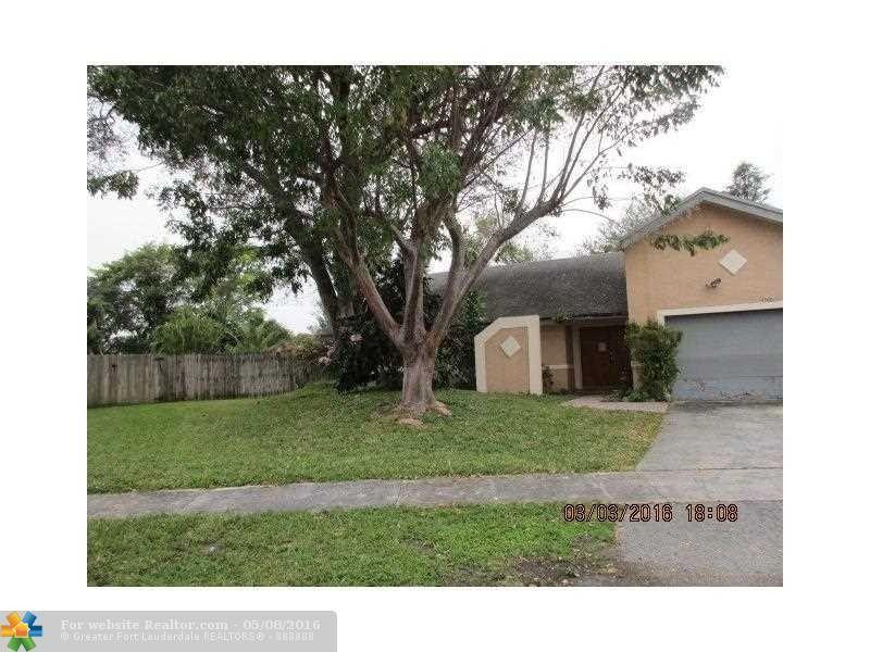 3601 NW 75th Ter Lauderhill, FL 33319
