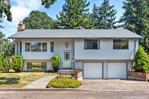 6750 Buckingham Ct, Gladstone, OR 97027