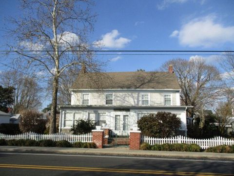Photo of 17 Main St, Wachapreague, VA 23480