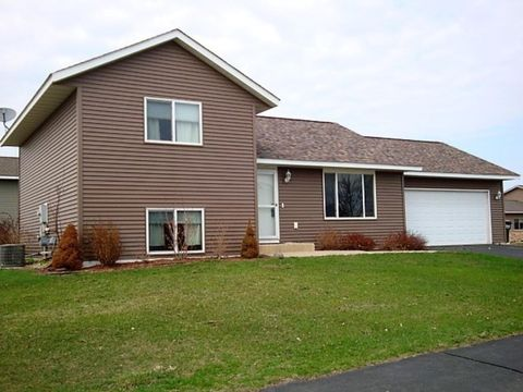 405 Maryland St Nw, Hutchinson, MN 55350