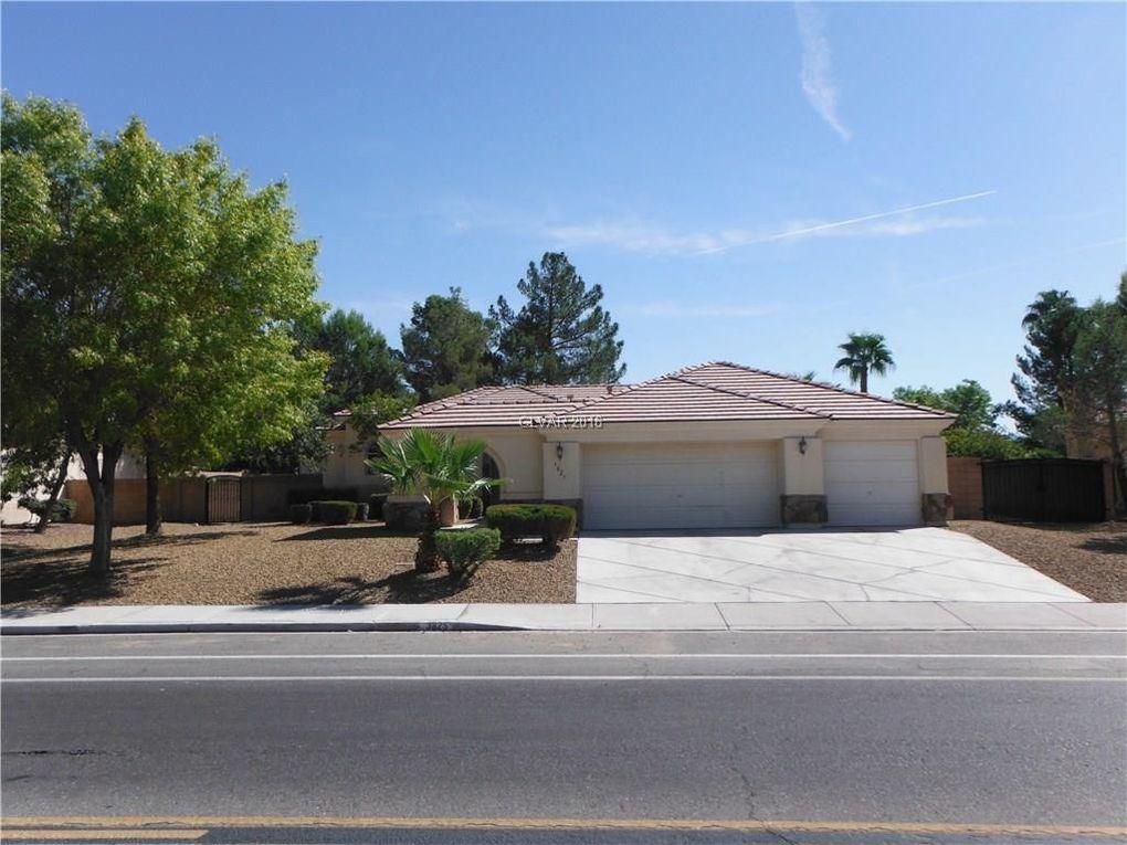 3825 N Torrey Pines Dr Las Vegas, NV 89108