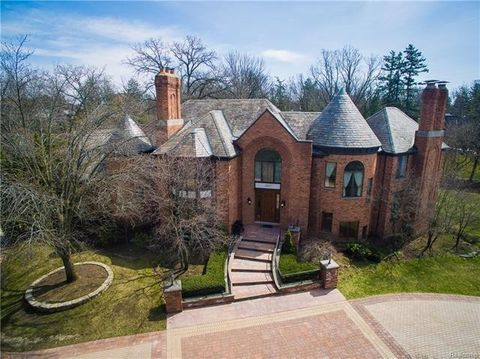 Bloomfield Hills, MI 5-Bedroom Homes for Sale - realtor.com®