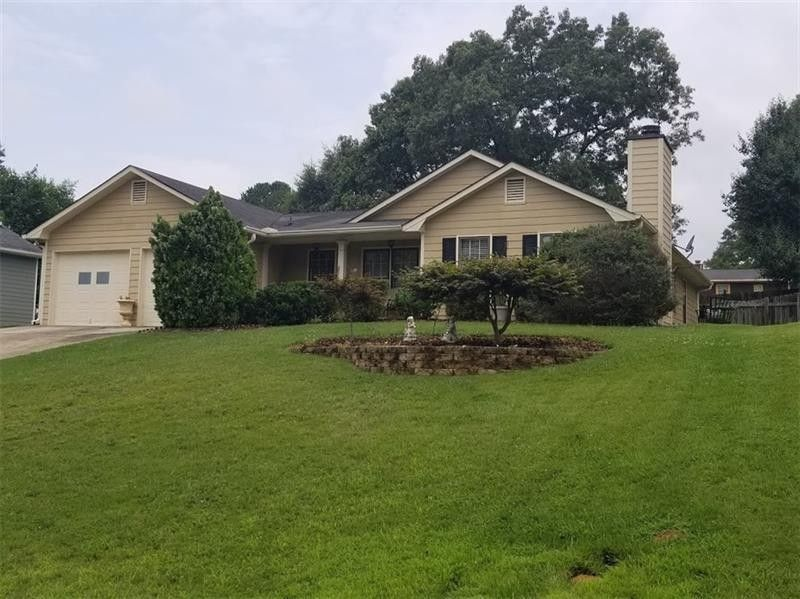 150 Supreme Ct Lawrenceville, GA 30046