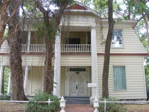Photo of 201 6th St, Hubbard, TX 76648