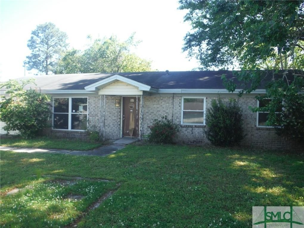 208 Dixie St, Port Wentworth, GA 31407