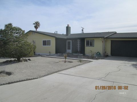 12141 Lakeview Dr, Trona, CA 93562